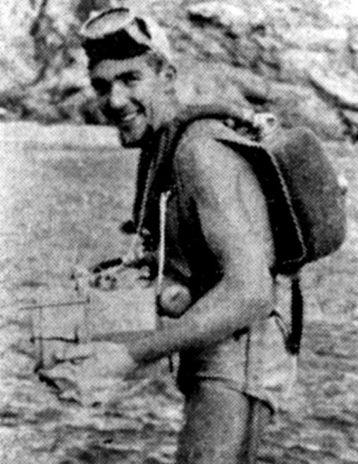 Walter Müller mit einem Kreislauftauchgerät