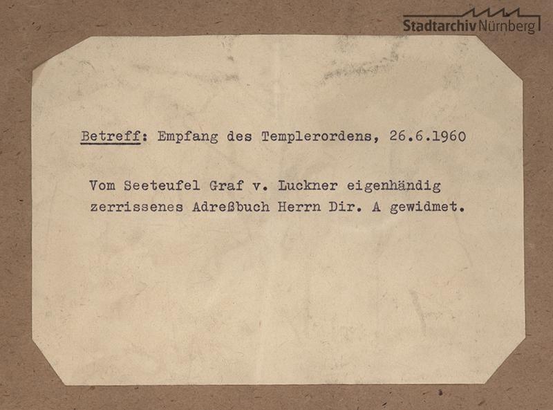 Umschlag des zerrissenen Telefonbuches