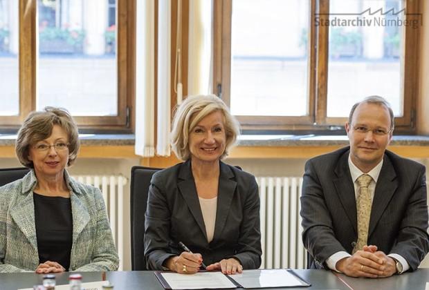 Unterzeichnung der Notfallvereinbarung Archive im Großraum Nürnberg