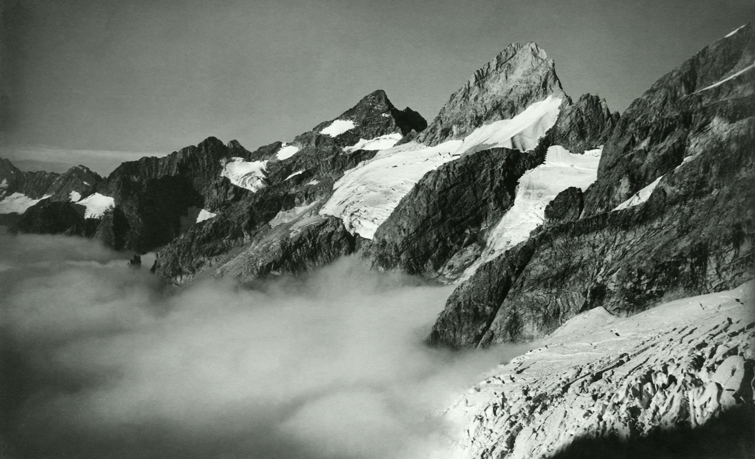 Têtes du Replat und Brèche du Râteau vom Glacier des Étançons. September 1928.