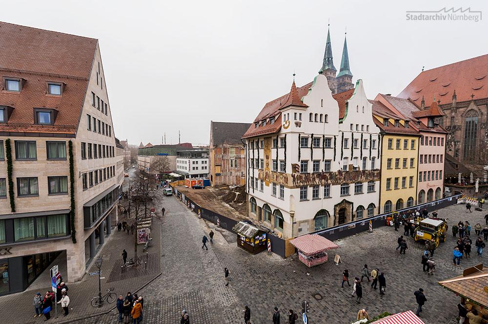 IHK-Gebäude, Hauptmarkt 25, in der im Juni 2014 begonnenen und aktuell andauernden Umbau- und Erweiterungsphase