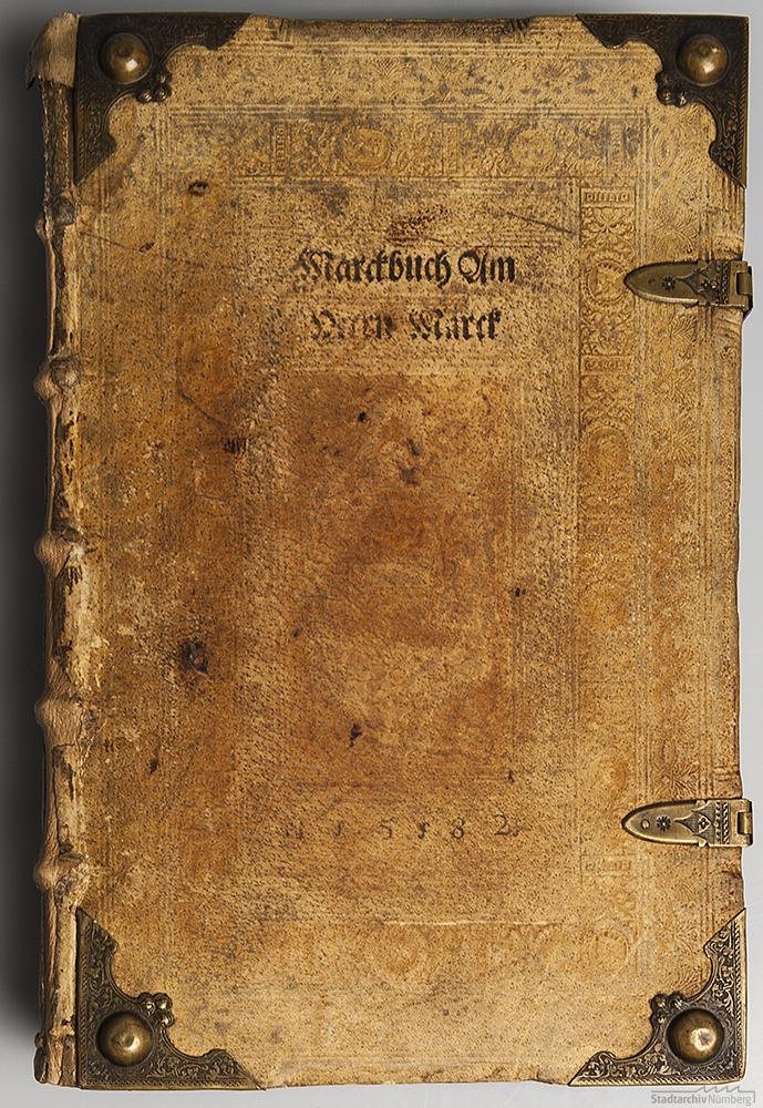 Erstes Marktbuch am Herrenmarkt (Deckel), angelegt 1582