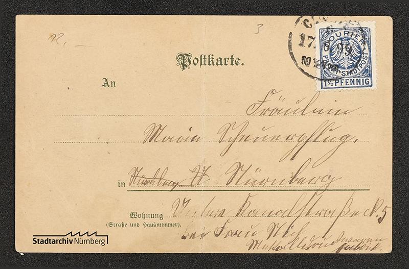 Rückseite einer farbigen Postkarte, frankiert mit der Stadtpostmarke von Nürnberg mit Ortsporto 1 ½ Pf