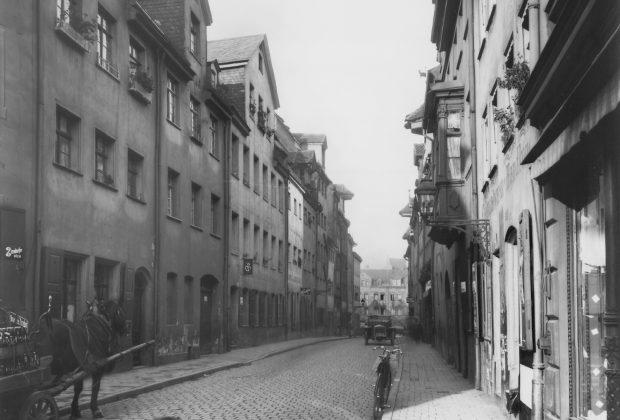 Blick in die Beckschlagergasse in Richtung zum Laufer Schlagturm.